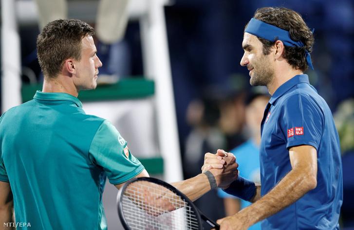 Fucsovics Márton és Roger Federer Dubajban 2019. február 28-án