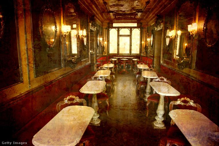 Az 1720 decemberében, Velence Szent Márk terén megnyitott Café Florianbanvagy eredeti nevén Caffé Alla Venezia Trionfantéban olyan irodalmi nagyságok fordultak meg a kézzel festett, antik tükrök, freskók, famunkák és vörös székek között mint Byron, Goethe, Proust vagy Dickens