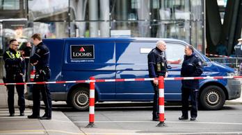 Egy pénzzel teli sporttáskát zsákmányoltak fegyveres rablók a Köln-Bonn nemzetközi repülőtéren