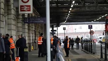 Körültekintést kér a külügy a Londonban tartózkodó magyaroktól