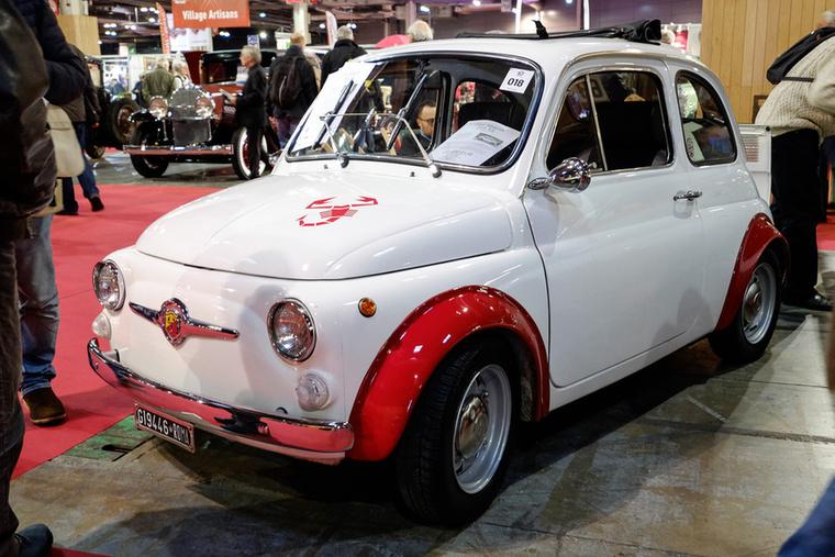 Fiat 595 SS Abarth - de szerencsére odaírták, hogy replika, így már rendben van a 22 ezer eurós ár, mert eredetiben a négyszerese lenne