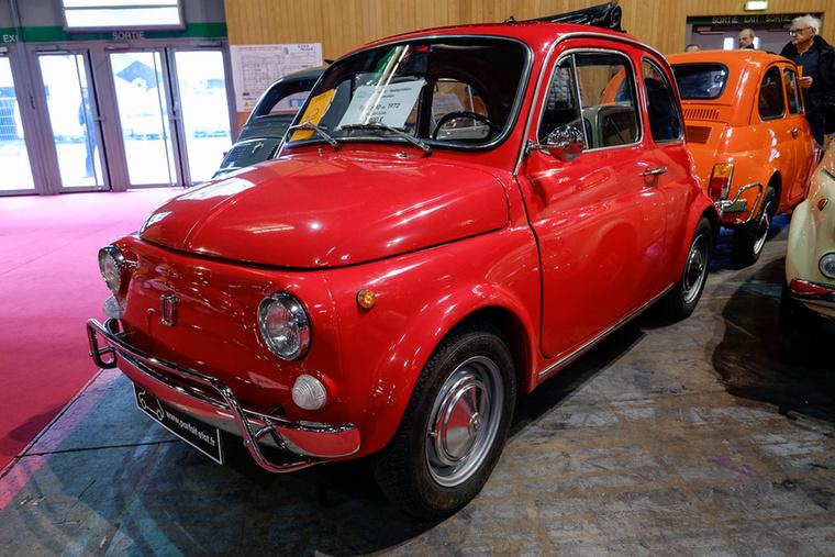 Egy piros 500L, szintén 1972-ből 7900-ért