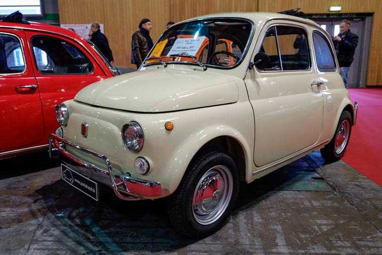 Ez a fehér 500L egy évvel korábbi, 1971-es és 12 ezer eurót kértek érte