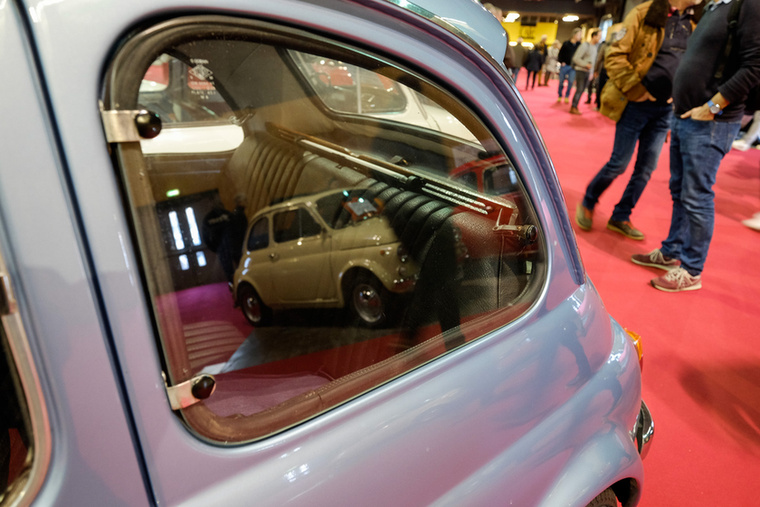 Egy jó funkciója van a Lombardi 500-asoknak, a kibillenthető hátsó oldalablak