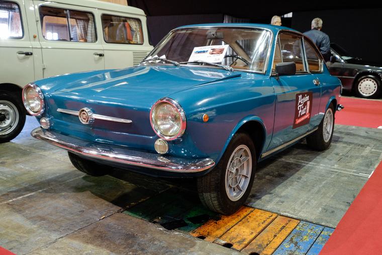 Ennél a 10 500 euróért ezek a 850 Coupék és Sport Coupék azért már Magyarországon is drágábban szoktak menni