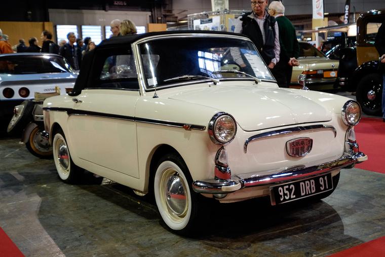 Még egy kabrió Bianchina, ez 1969-es, és szintén a szabványos, 25 ezer eurós áron mérik