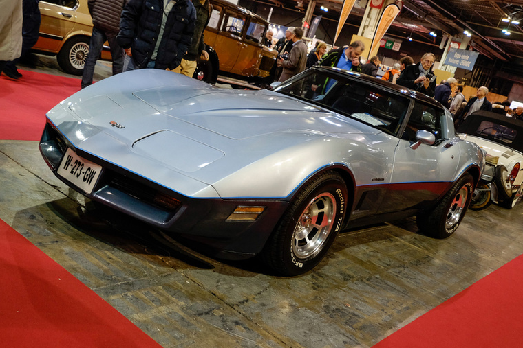 Sokaknak nagyot dobban a szíve, ha meglátja, hogy egy ilyen C3-as Corvette-et 19 500 euróért odaadtak valakinek Párizsban