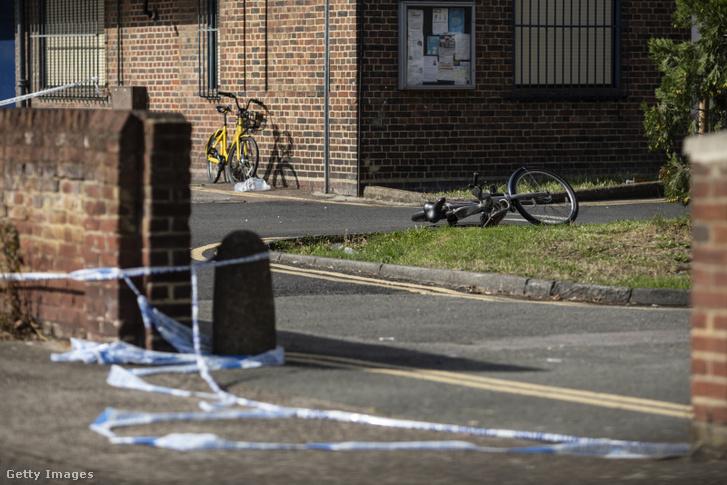 Késes támadás helyszíne, ahol négy fiút késeltek meg Londonban 2018. augusztus 17-én