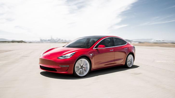 35 ezer dollárért már Model 3-as Teslát lehet kapni. Az autó-ár