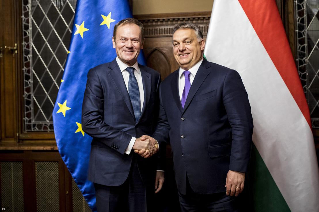 A Miniszterelnöki Sajtóiroda által közreadott képen Orbán Viktor miniszterelnök (j) és Donald Tusk, az Európai Tanács elnöke az Országházban folytatott találkozójukon 2018. február 7-én.