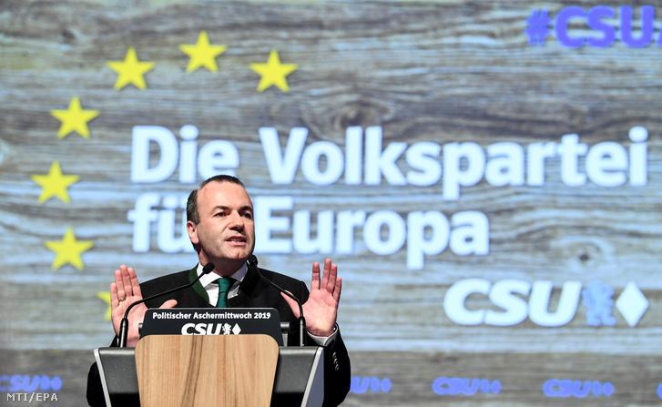 Manfred Weber az Európai Néppárt az EPP frakcióvezetõje és csúcsjelöltje az európai parlamenti választásokon a bajor Keresztényszociális Unió (CSU) hamvazószerdai rendezvényén Passauban 2019. március 6-án.