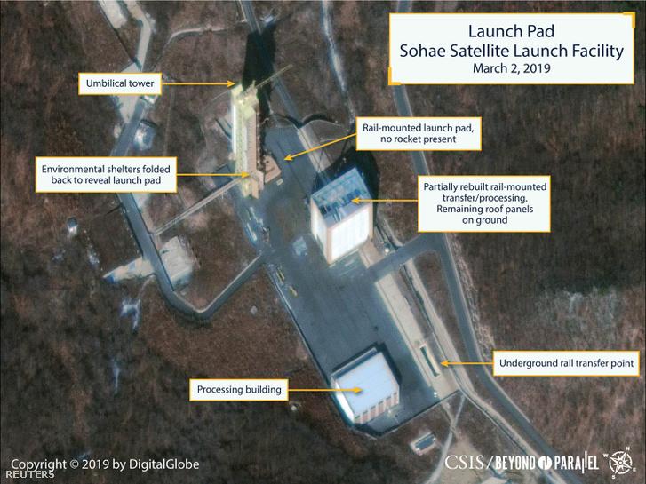 Műholdas felvétel a részlegesen átépített tongcsangi rakétakilövő állomásról