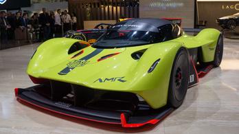 Tízezer fölé forog az új Aston Martin