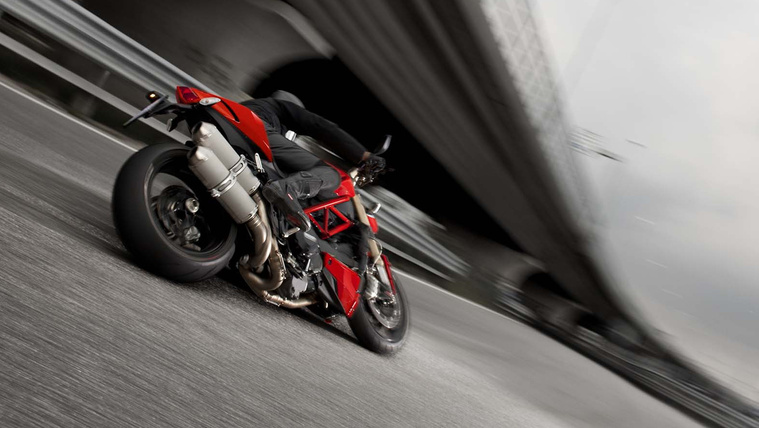 2015-Ducati-Streetfighter-848-08