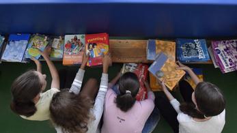 2020-ra minden diák ingyen kapja a tankönyvet