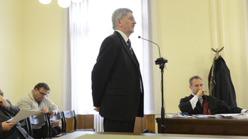 Az ügyészség szerint az MVM exvezére hosszabb börtönbüntetést érdemelne