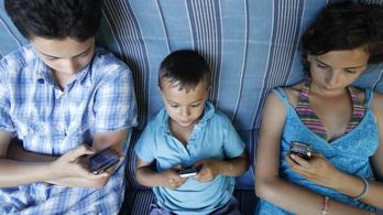 Digitális a család, de a gyerek áll nyerésre