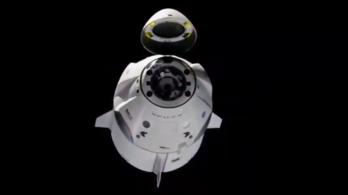 Sikeresen visszatért a Földre a SpaceX új űrhajója