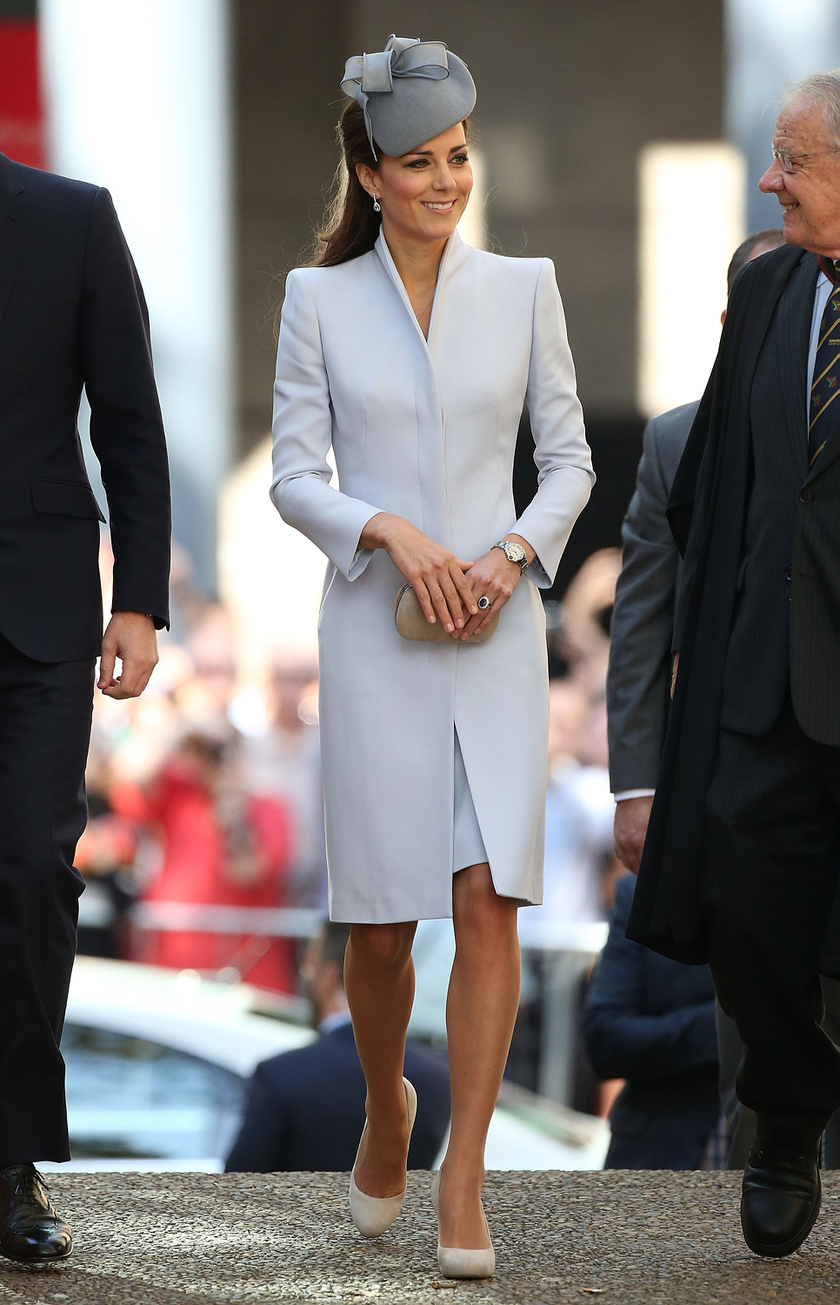 Katalin hercegné húsvéti ruhái közül ez volt a rajongók kedvence. 2014-ben viselte, ausztráliai útjuk során, abban az évben ugyanis ott ünnepeltek.