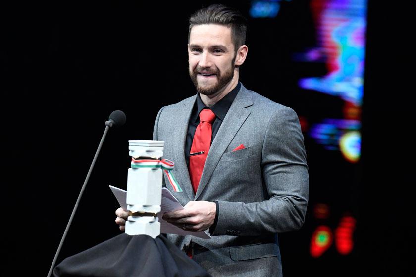 Shane Tusup kapta Az év edzője díjat 2018. január 11-én a Nemzeti Színházban megrendezett M4 Sport - Év sportolója gálán.