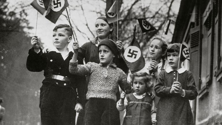 A nácik gyereknevelési elvei máig nyomorítják a németeket