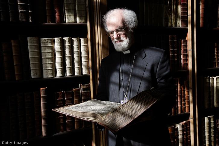 Rowan Williams, Canterbury érseke a 400 éves King James Bibliával