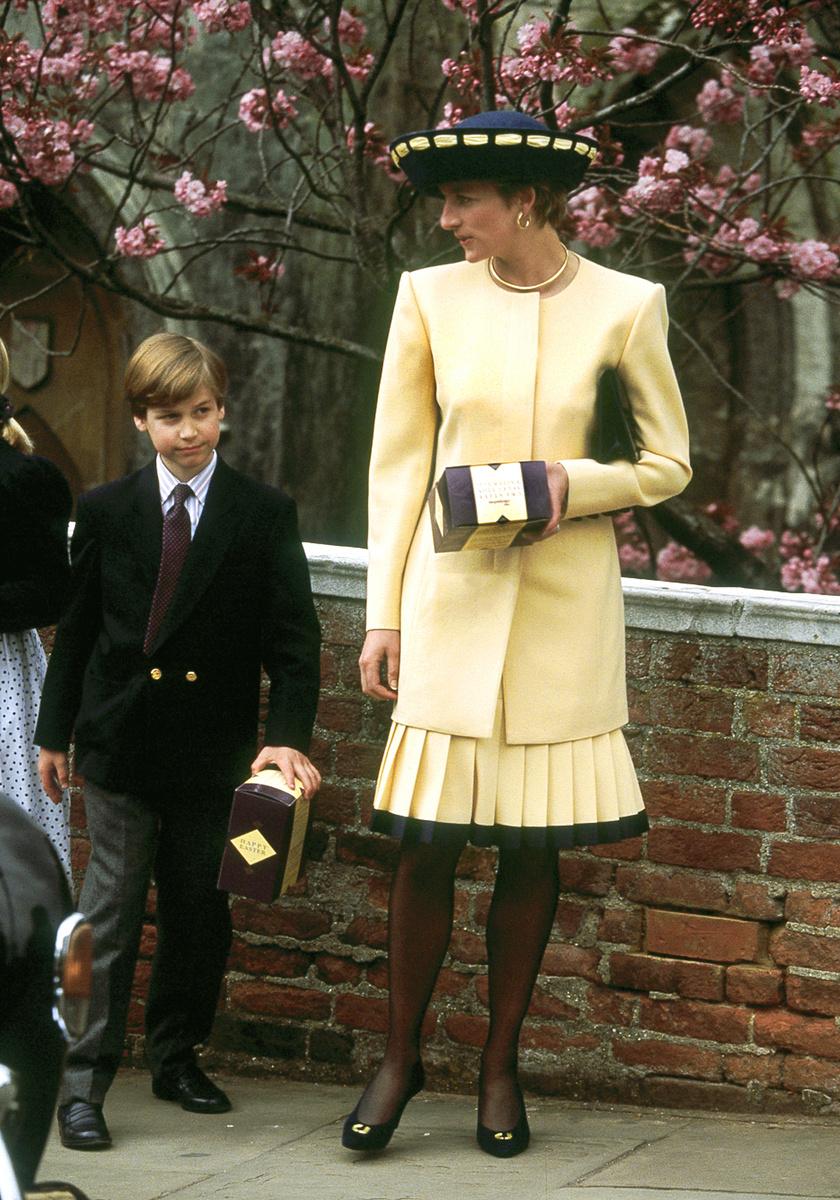 1992-ben ilyen gyönyörű volt húsvétkor. A kezében egy dobozba rejtett csokitojást tart, akárcsak a fia, Vilmos herceg.