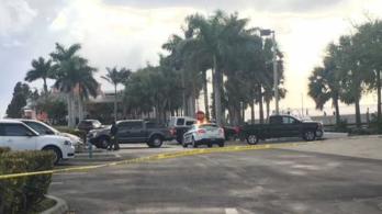 Tóba csapódott egy kisrepülő Floridában, öten meghaltak