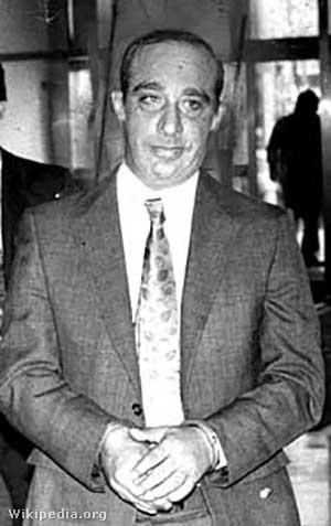 Carmine Persico bevezetik a bíróságra New Yorkban 1980. november 7-én