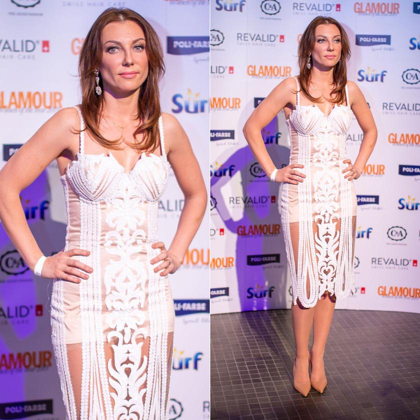 Rúzsa Magdolna énekesnő egy testhezálló, krémszínű csipkeruhában tündökölt a 11. Glamour-gálán.