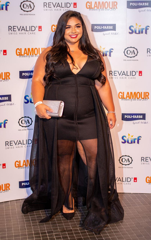 Sirokai Diána a 2019-es Glamour-gálán a Fashion Nova Curve egy szexi, fekete darabjában jelent meg.