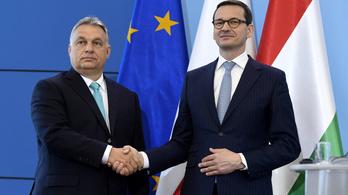 Orbán és a lengyel kormányfő mond ünnepi beszédet március 15-én