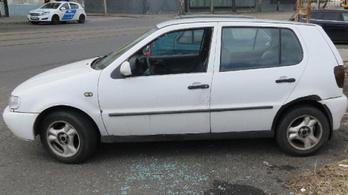 Épp kábelekkel próbálta beindítani a feltört kocsit, amikor a ferencvárosi rendőrök elkapták