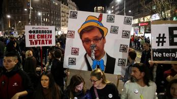 14. hete tüntetnek Belgrádban a szerb elnök lemondását követelve