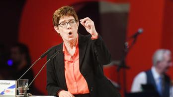 CDU-elnök: Az EU alapértékei nem képezhetik alku tárgyát