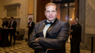Kajdi Csaba Debreczeni Zitának: Te a földszinten vagy, Mihalik Enikő meg a 175-en