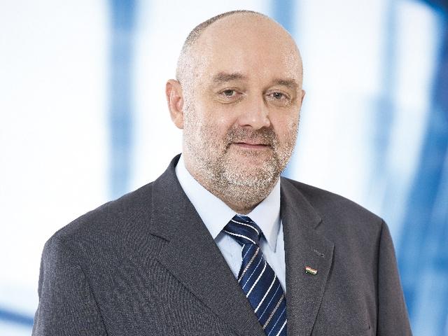 Dr. Tilki Attila