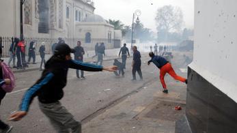 Felgyújtották és kifosztották a tüntetők Algéria legrégibb múzeumát
