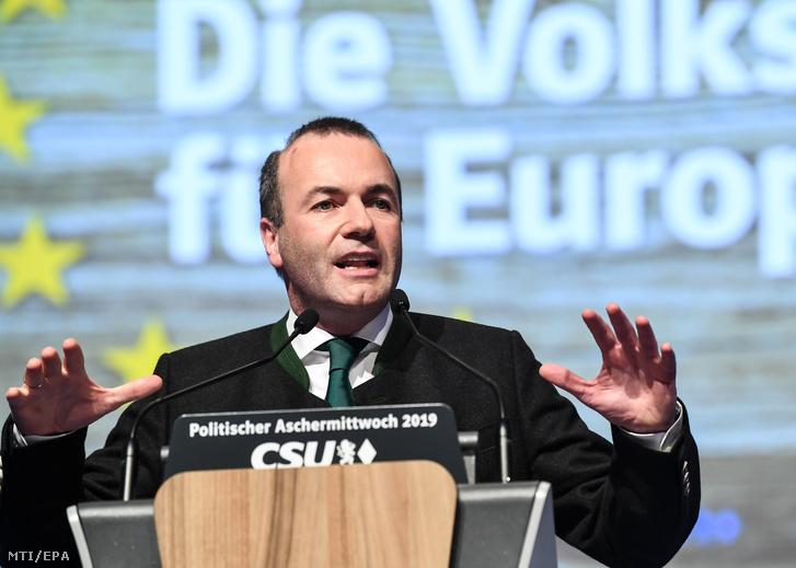 Manfred Weber, az Európai Néppárt, az EPP frakcióvezetője és csúcsjelöltje az európai parlamenti választásokon, a bajor Keresztényszociális Unió (CSU) hamvazószerdai rendezvényén Passauban 2019. március 6-án.