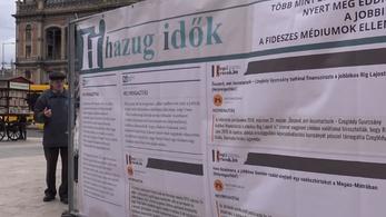Kormányközeli oldalak helyreigazító cikkeit nyomta molinóra a Jobbik