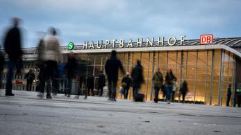 Szelfizés buktatta le a kölni zaklatásokért elítélt 3 férfit