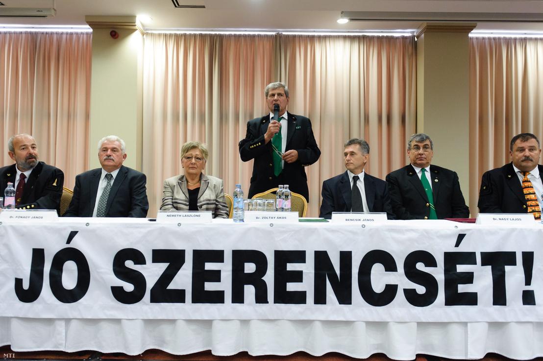 Zoltay Ákos a Magyar Bányászati Szövetség ügyvezetõ főtitkára beszél a bányásznap központi ünnepségén az egri Hotel Eger Park konferenciatermében 2012. augusztus 30-án.