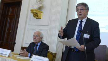 Palkovics elhitette az Akadémiával, hogy erővel is elveszi az intézeteiket, ezért inkább önként belementek