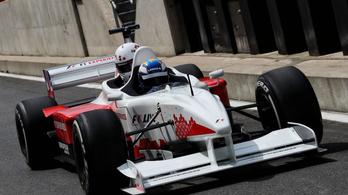 Összecsap Michelisz és Baumgartner autója az Ausztrál GP-n