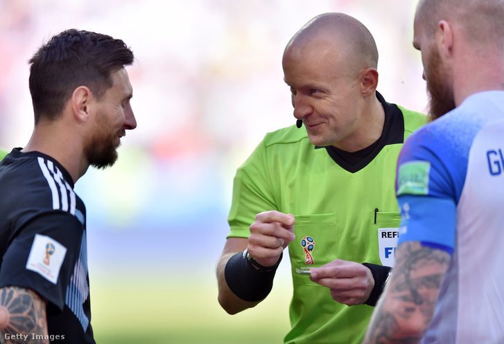 Messi és Marciniak az oroszországi világbajnokságon 2018. június 16-án