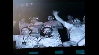 Meccset néztek a chilei bányászok