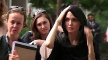 Angelina Jolie is felszólalt a koránégető lelkipásztor ellen