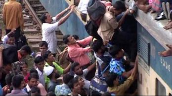 Nem bír el az utasokkal a bangladesi MÁV