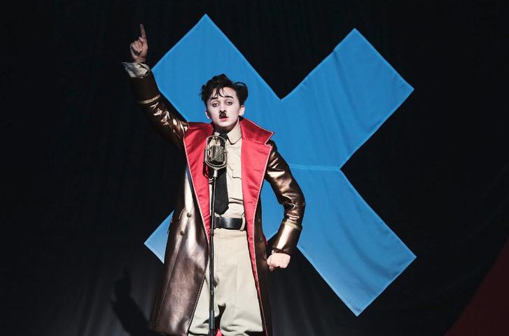 ifj. Vidnyánszky Attila a Vígszínház A diktátor című előadásában