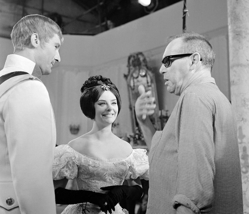 Nagy Attila -Palavicz Ottó - és Béres Ilona - Plankenhorst Alfonsine - Várkonyi Zoltán filmrendezővel 1964 augusztusában, A kőszívű ember fiai forgatásán.